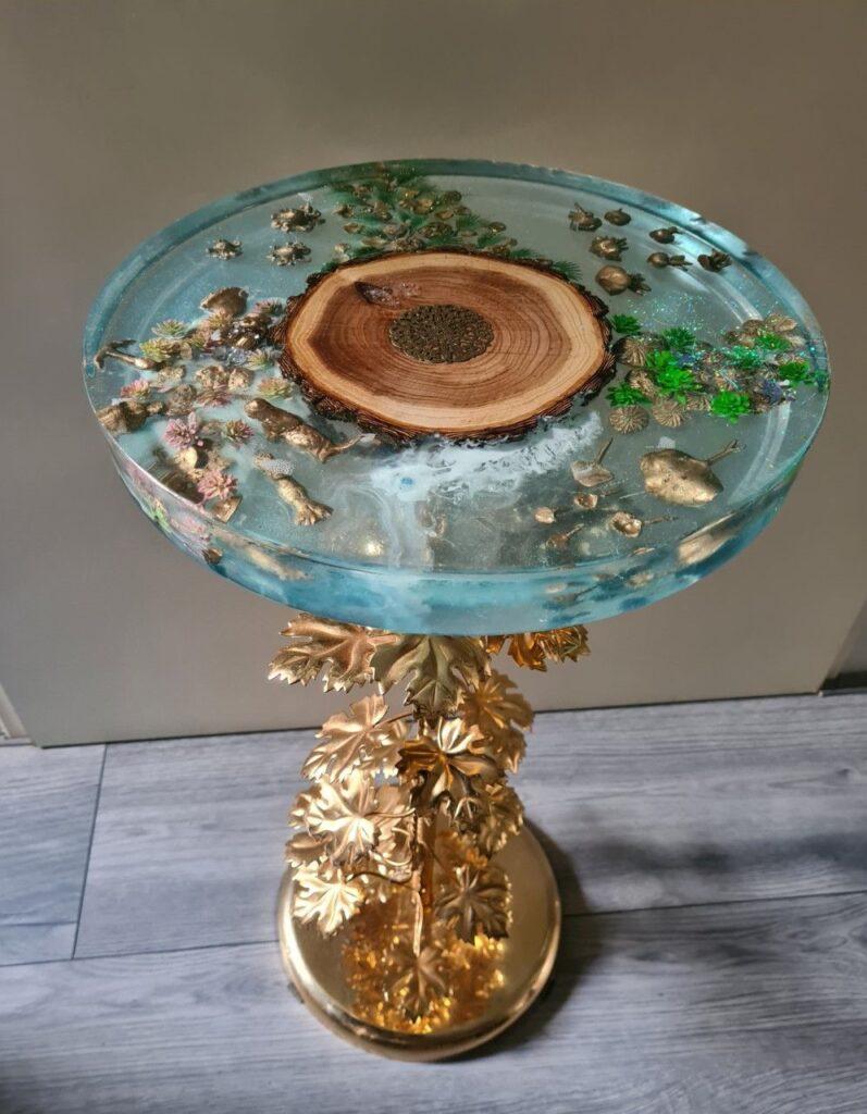 epoxy tafel op gouden voet epoxyworkshop