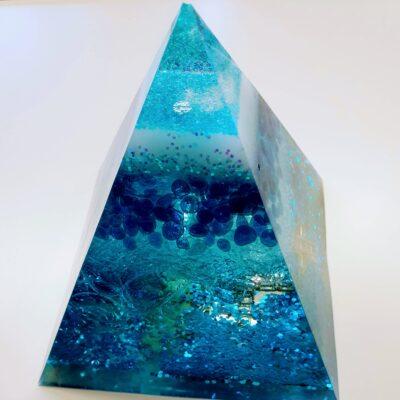 Geode Orgonite blauw kruis foto glitters