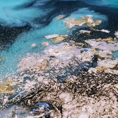 epoxy geode detail blauw goud