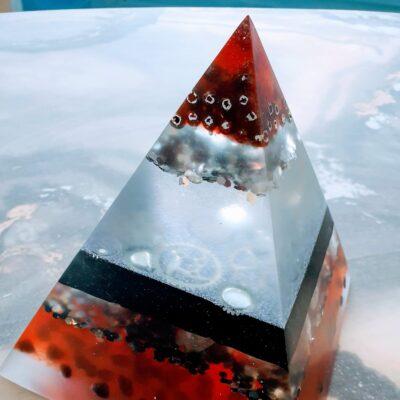 Orgonite Piramide Toermalijn en bergkristal