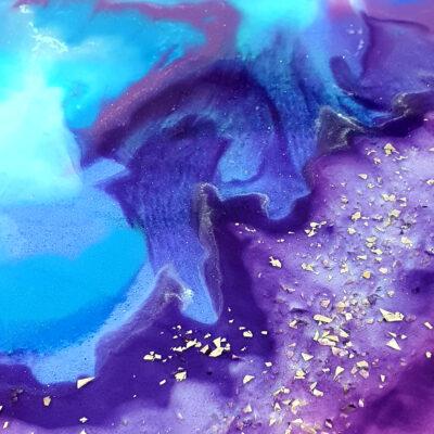 epoxy stonelook decoreren keukenbladen epoxytafel epoxymeubel antoynette anema epoxyworkshop.nl goud paars blauw