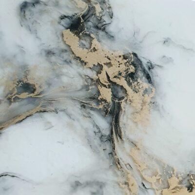 Marmeren met epoxy zwart wit goud epoxyworkshop decoratie antoynette anema